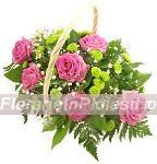 Cos cu trandafiri si santini